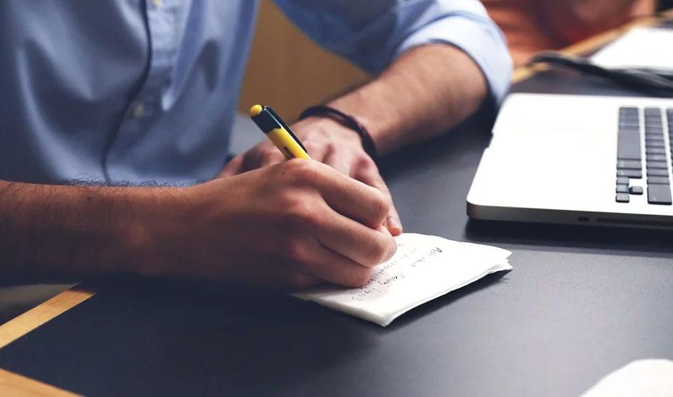 Pisanie tekstów na stronę - 1000 zzs